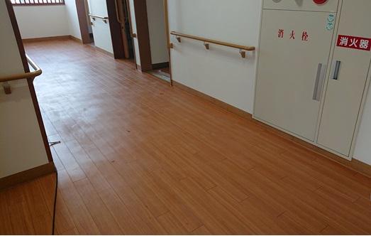 廊下のワックス清掃